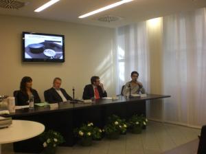 Workshop induzione, il tavolo relatori...io sono l\'ultimo a destra.